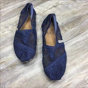 Toms Navy Blue Crochet Lace Slip On Shoe Size 6